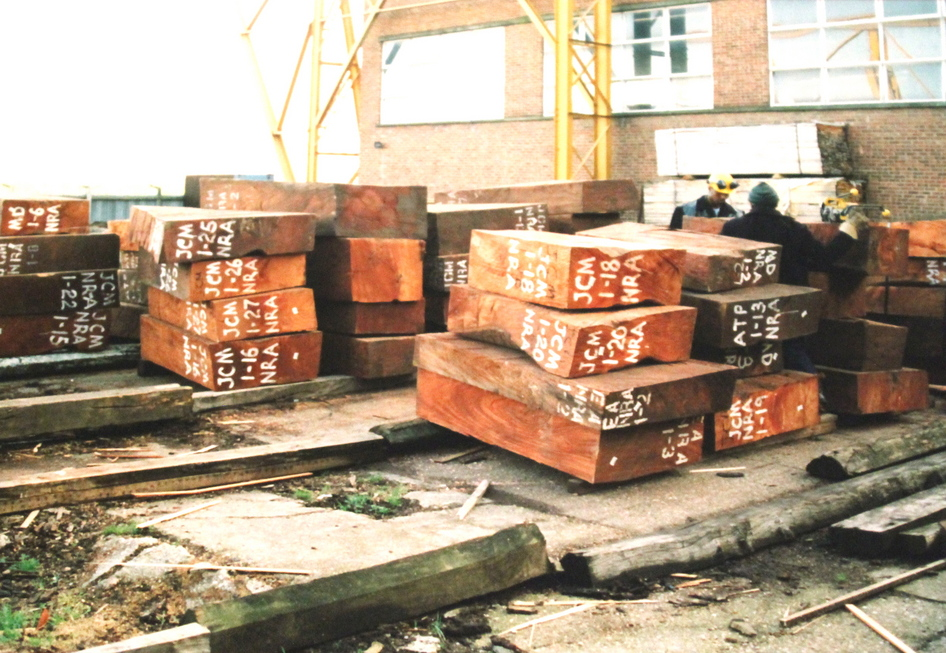 MAHOGANY LOGS AT RELIANCE VENEER